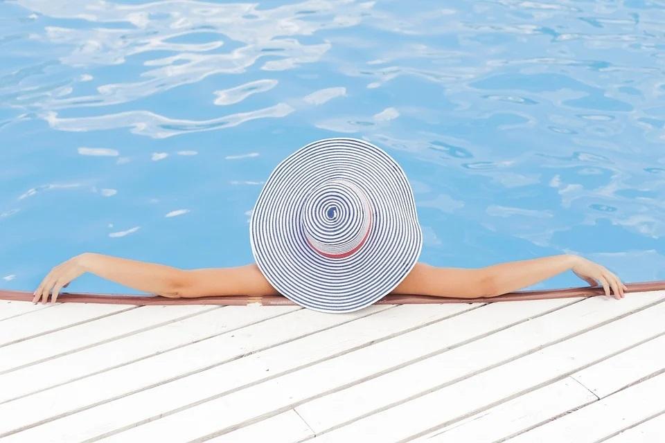 Pohoda u bazénu