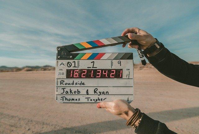 filmová klapka při záběru