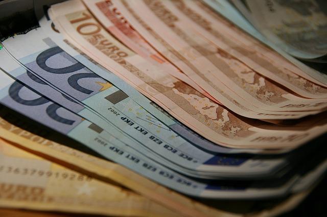 money-1548322_640